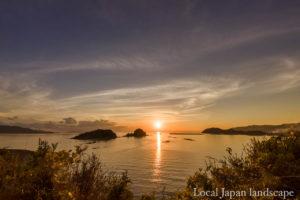 大島より咸陽島の夕陽(宿毛市)