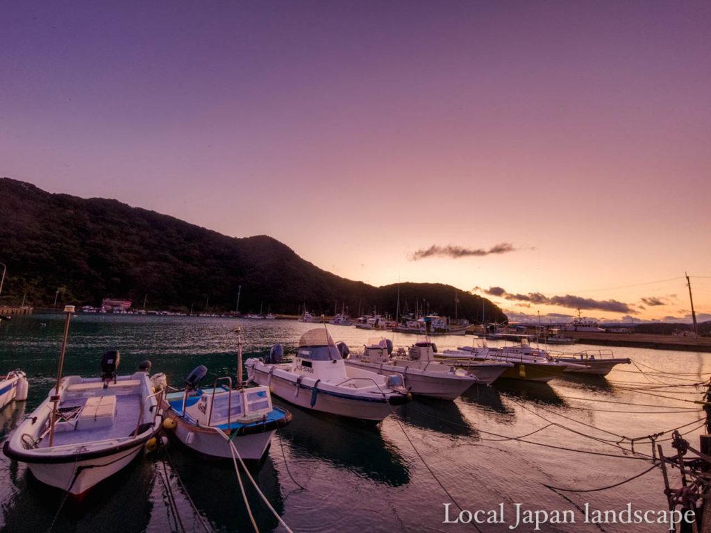 マジックアワーの漁港(土佐清水市)