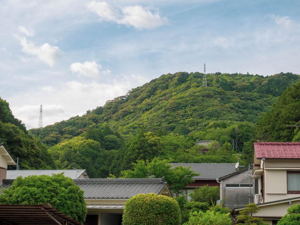 本城山と宿毛天満宮(宿毛市)