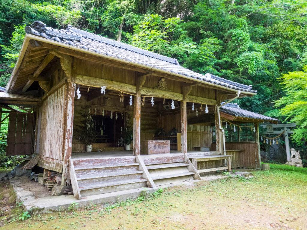 幡多十景・西土佐の金毘羅山(金刀比羅山)本殿